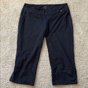 Black Old Navy Yoga Capris Size M
